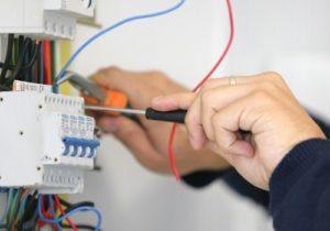 Bostancı Elektrikçiniz Sigorta Arızası Yapıyor.